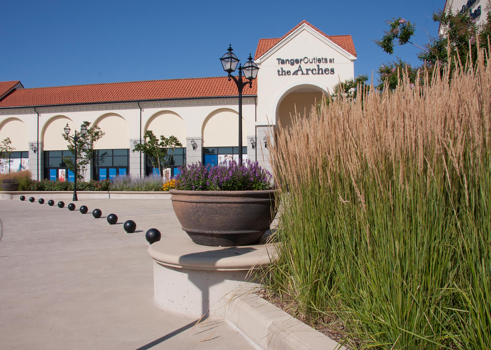 Tanger-Outlets-Gallery-1
