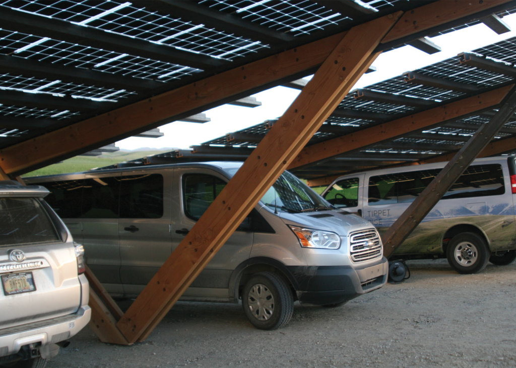 OvS collaborated with Gunnstock Timber Frames and CTA Architects on this photovoltaic solar canopy. © OvS