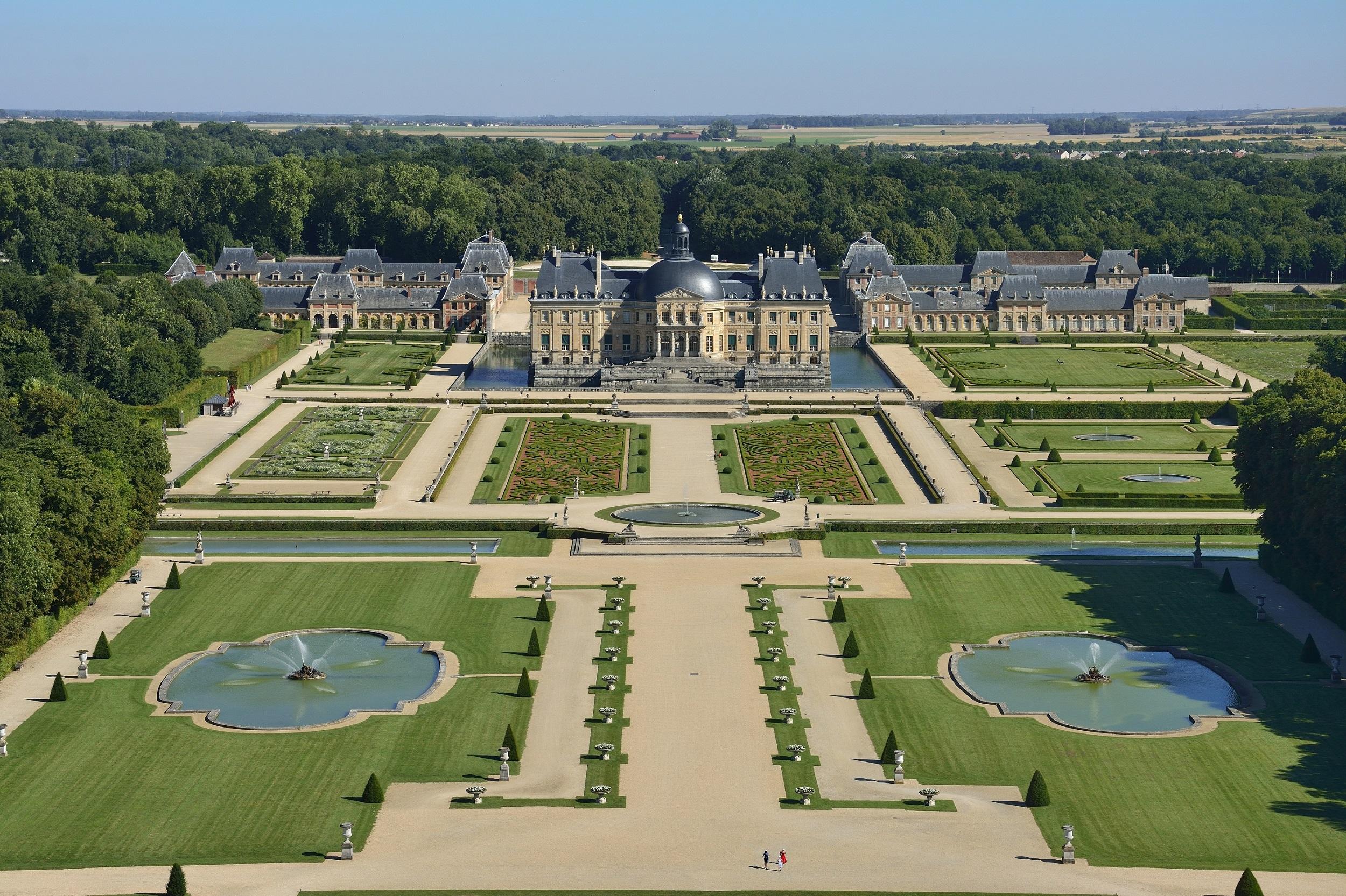 www-mygorgeouswedding-com-get-married-a-la-francaise-vaux-le-vicomte-8
