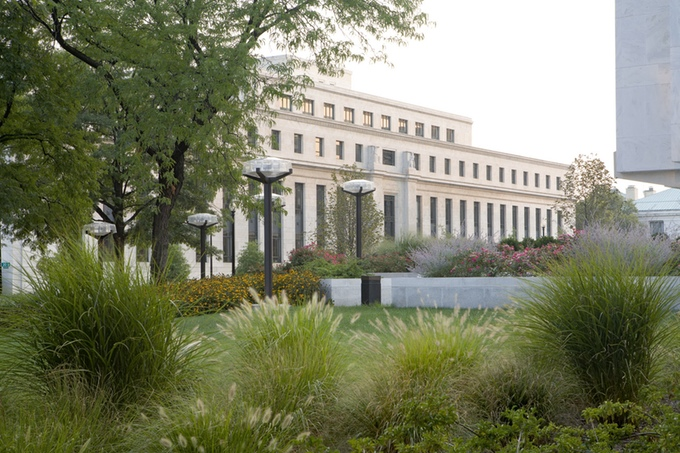 Federal Reserve Board Garden © Roger Foley.